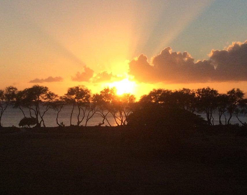 Beautiful sunset at Nanea. #VacationLife via @Vistana
