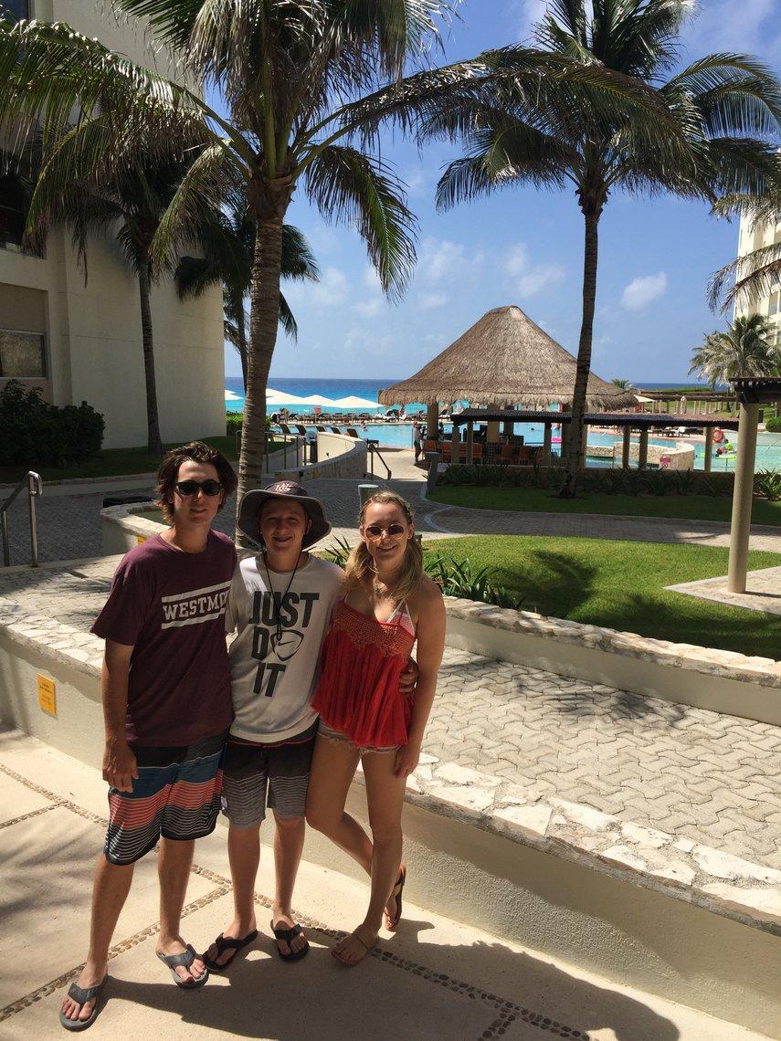 resort time#VacationLife via @Vistana