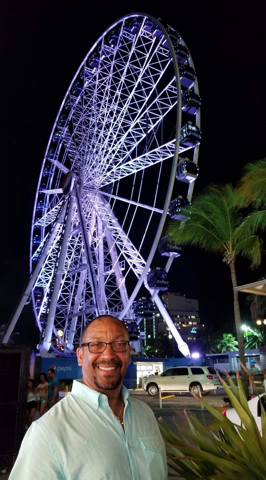This beautiful ferris wheel is in Cancun, just steps away from the Lagunamar Resort.#VacationLife via @Vistana