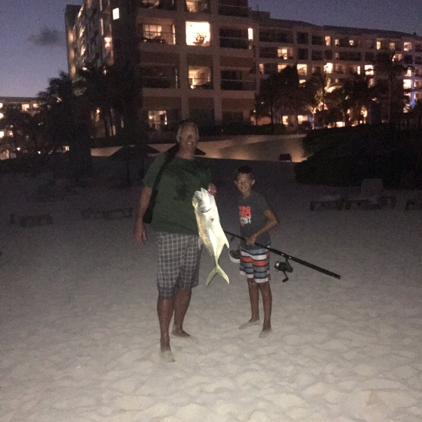 In front of the Westin Lagunamar nice catch. #VacationLife via @Vistana