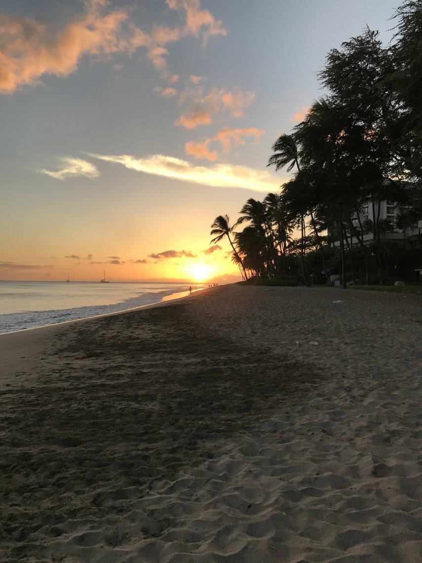 Sunset Lahaina#VacationLife via @Vistana