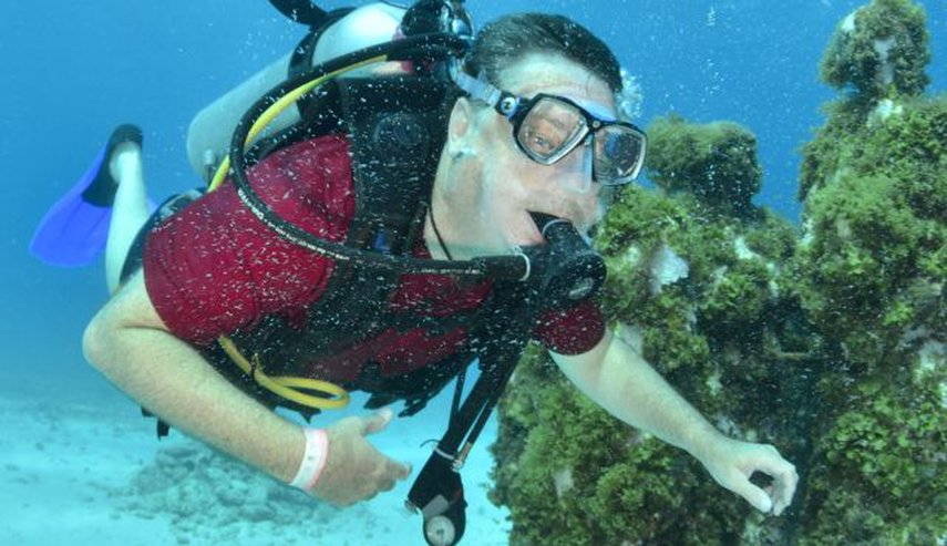 Diving the MUSA in Cancun, Mexico. Artificial reef of 100s of concrete statues of people (no 2 alike) and other objects.#VacationLife via @Vistana