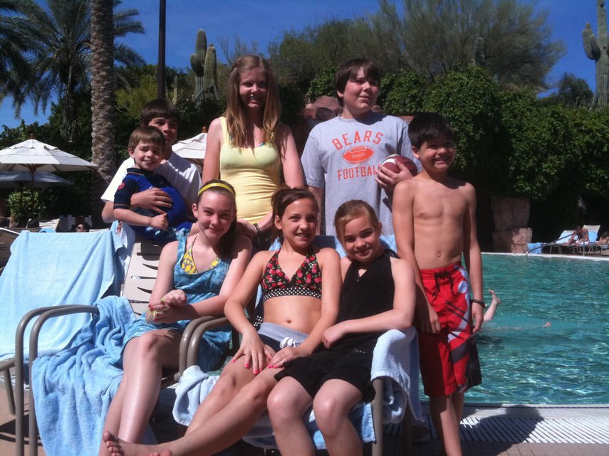 Four Vistana families have been traveling together in  villas for years, this was in 2010. Spring Break is our tradition#VacationLife via @Vistana