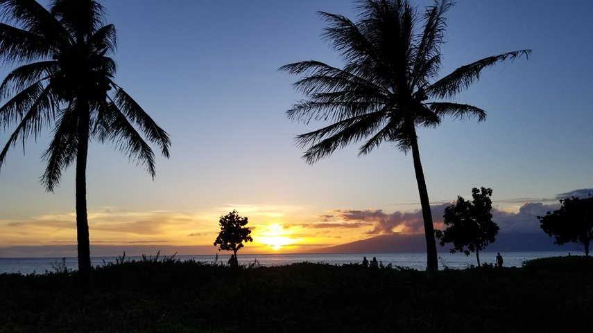 Enjoying the fading light on Maui beachwalk at Westin Ka'anapali Ocean Resort Villas North.#VacationLife via @Vistana