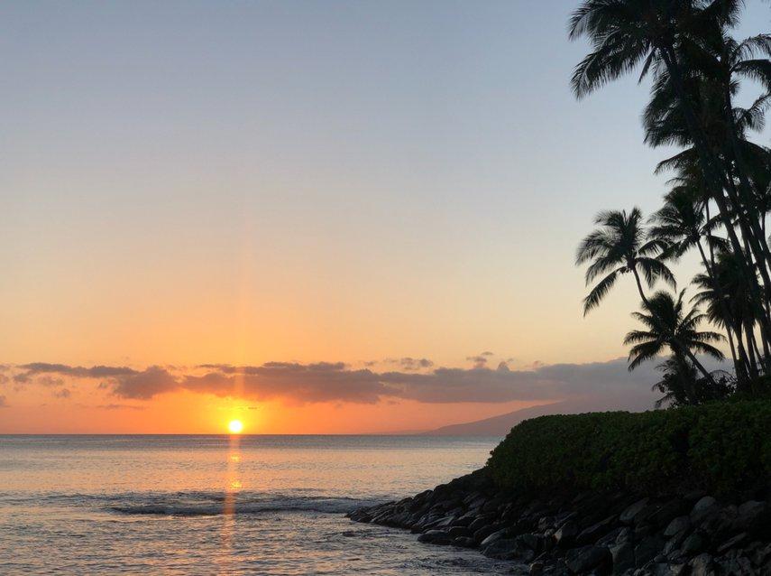 Maui sunset#VacationLife via @Vistana