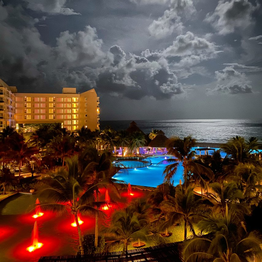 Westin Lagunamar with a full moon october 2019.#VacationLife via @Vistana